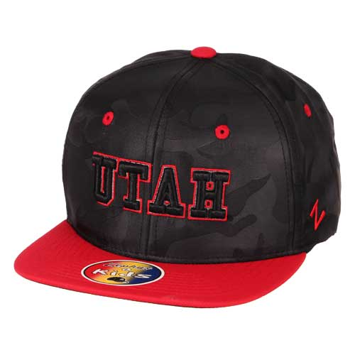 Cover Image For Utah Utes Black Camo Patterned Youth Snapback